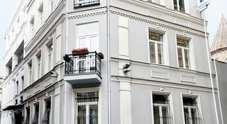 Hotel Sharden, 32 Grigol Khandzteli Street,