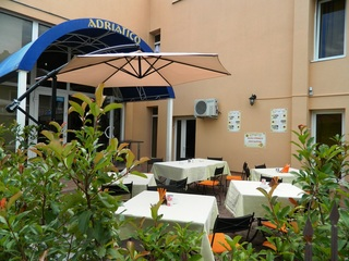 Hotel Adriatico, Str. Ion Ionescu De La Brad,1/c