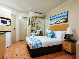 Boathaven Spa Resort, 440 Shute Harbour Road,