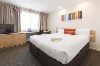 Premier Hotel & Apartments, 110 Benjamin Way,