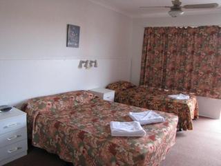 Ballina Hi-Craft Motel, 295-297 River Street,