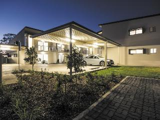 Oaks Middlemount, 10 Princes Place,