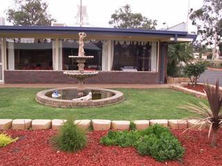 Parkview Motor Inn Parkes, 34 Forbes Road,