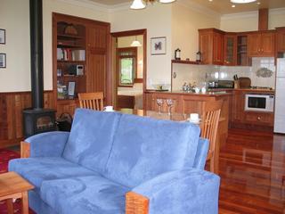 Pomona Spa Cottages, 77 Flinders Street,