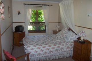 Southern Vales Bed &…, 13 Chalk Hill Road,