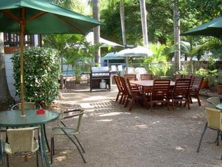 Tropical Palms Resort, 34 Picnic Street,