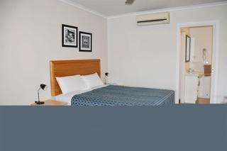 Tropic Coast Motel, 158 Nebo Road,
