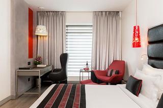 Aauris Hotel, 4 Robinson Street,