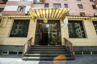 Holiday Hostel, Yekmalyan Street,1
