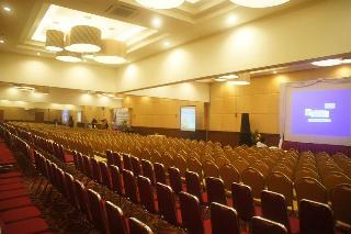D Wangsa Hotel Solo, Jl. Slamet Riyadi 331, Solo,