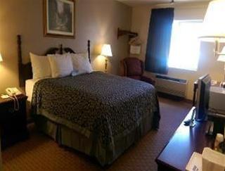 Days Inn & Suites Kaukauna WI