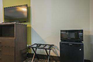 Quality Inn, 505 E 1st Street,