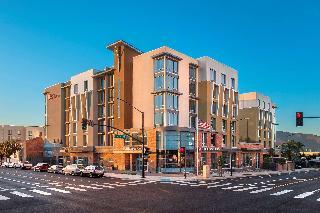 Hilton Garden Inn Los…, 401 S. San Fernando Blvd,