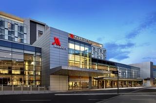 Calgary Hotels:Calgary Airport Marriott In-Terminal Hotel