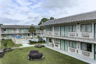 Rodeway Inn & Suites, 335 Hwy 171,