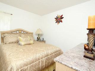 Villa 8677 La Isla Drive, Emerald Island, Orlando