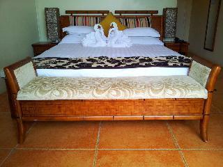 Little Italy Hotel, Vuna Road, Kolomutu'a,