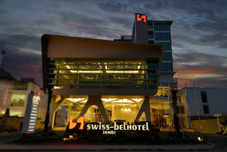 Swiss-Belhotel Jambi, Jalan Sumantri Bojonegoro,1
