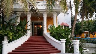 Mansion Giahn Bed &…, Carlos Salinas De Gortario…