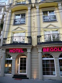 Begolli Hotel, Rruga Maliq Pashe Gjinolli…