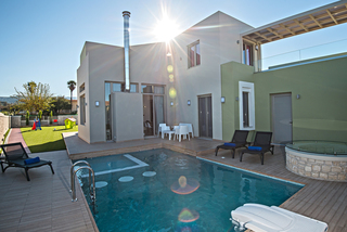 Newly Built Villa With Jacuzzi And Gym Near Rethym