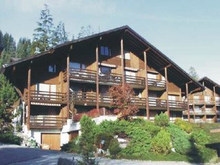 Bijou Lenk - One Bedroom, Badstrasse,