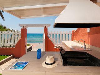 Deluxe Villa At The Beach Front - Five Bedroom