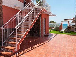 Deluxe Villa At The Beach Front - Five Bedroom - Generell