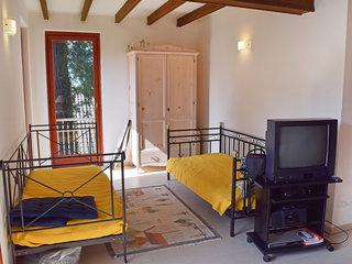 Hermitage - One Bedroom No. 5
