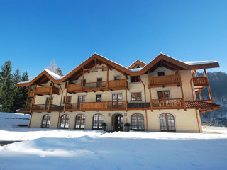 Holidays Dolomiti - Two Bedroom No. 9