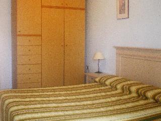 Lina - One Bedroom