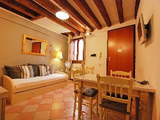 Sotoportego Delle Colonne - One Bedroom