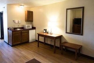 Red Roof Inn & Suites Omaha