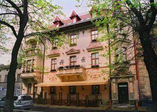 Chopin Hotel, Malaniuka Square,7