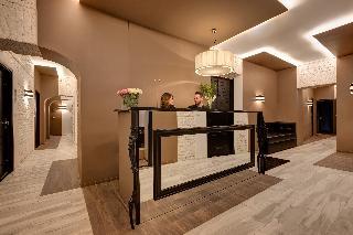 Dharma Hotel &luxury Suites