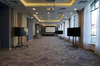 Holiday Inn Ufa, Verkhnetorgovaya Square 2,
