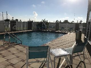 Holiday Inn Express and Suites Orlando South Daven