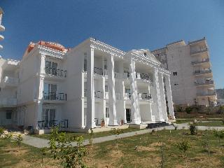 Vila Kalcuni, Rruga: Mitat Hoxha 61/2,.