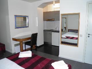 Holidays Apart Hotel, Rue Ropsy Chaudron 23,