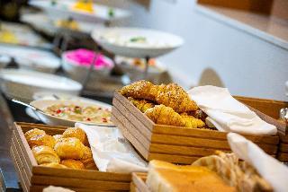Golden Tulip Doha Hotel, Al Meena Street,490