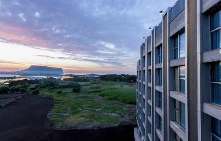 Brown Suites Jeju Hotel…, 94, Goseongojo-ro, Seongsan-eup,…