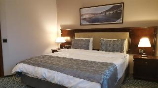Ruma Port Hotel, Neftchiler Avenue 62,62