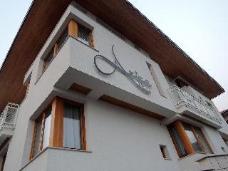 Hotel Aziza, Saburina,2
