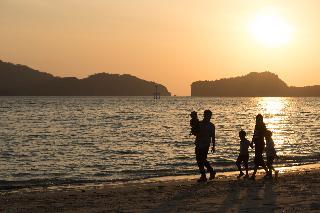 Seesea Resort, 832 Moo 4, Tambon Paknam,…