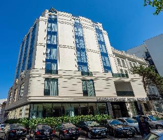 Hotel Europe, 45 G. M. Kostava Str,