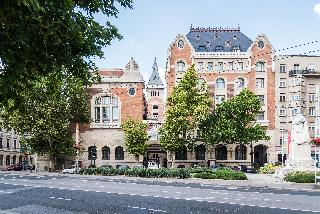 Úttö Luxury Suites, Horváth Mihály Tér,17-19