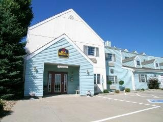 Best Western Cozy House & Suites