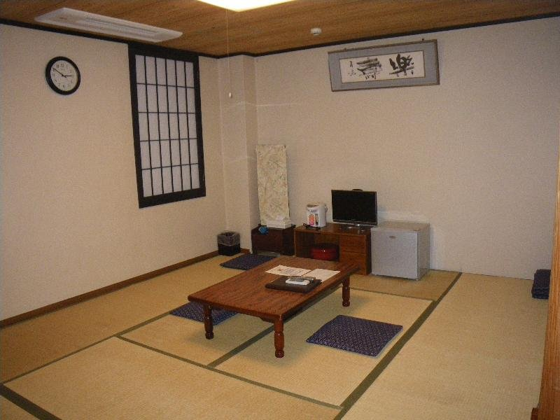 People''s Inn Hanakomichi, 23 Konishi-cho, Nara-shi,…