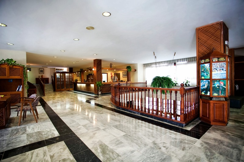 Lobby Be Smart Florida Plaza