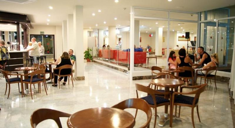 Bar Playaolid Suites & Apartments
